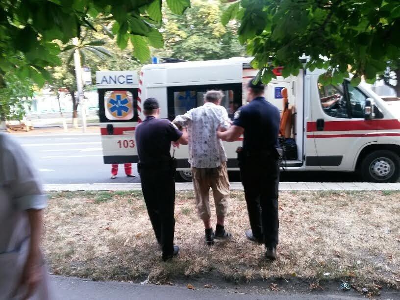 В Мариуполе копы спасали пьяного мужчину (ФОТО), фото-2