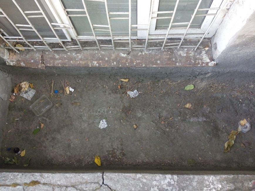 Супермаркет в центре Одессы превратил площадь в помойную яму (ФОТО), фото-6