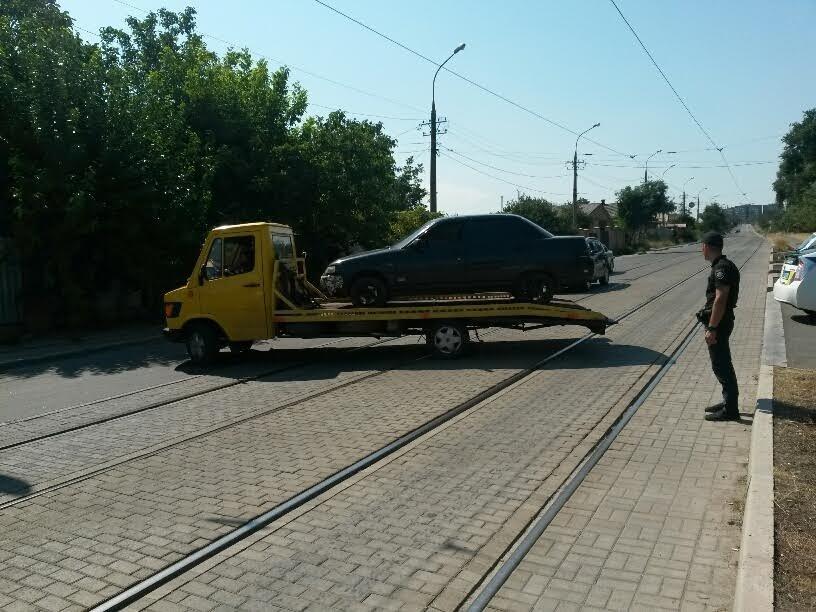 В Мариуполе задержали буйного автомобилиста с топориком (ФОТО), фото-4