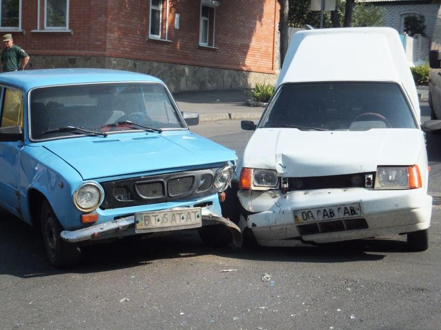 В Кропивницком на перекрестке случилось ДТП (ФОТО), фото-3