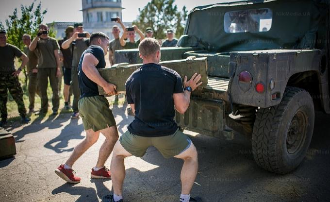 Українські військові змагалися в CrossFit з грузинами та американцями, фото-1