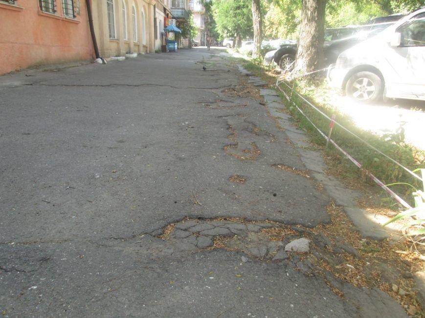В центре Одессы городские власти не заметили разбитый квартал (ФОТО), фото-6