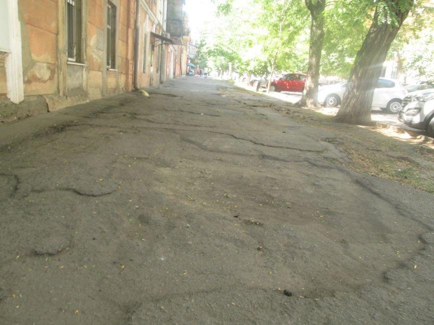 В центре Одессы городские власти не заметили разбитый квартал (ФОТО), фото-2
