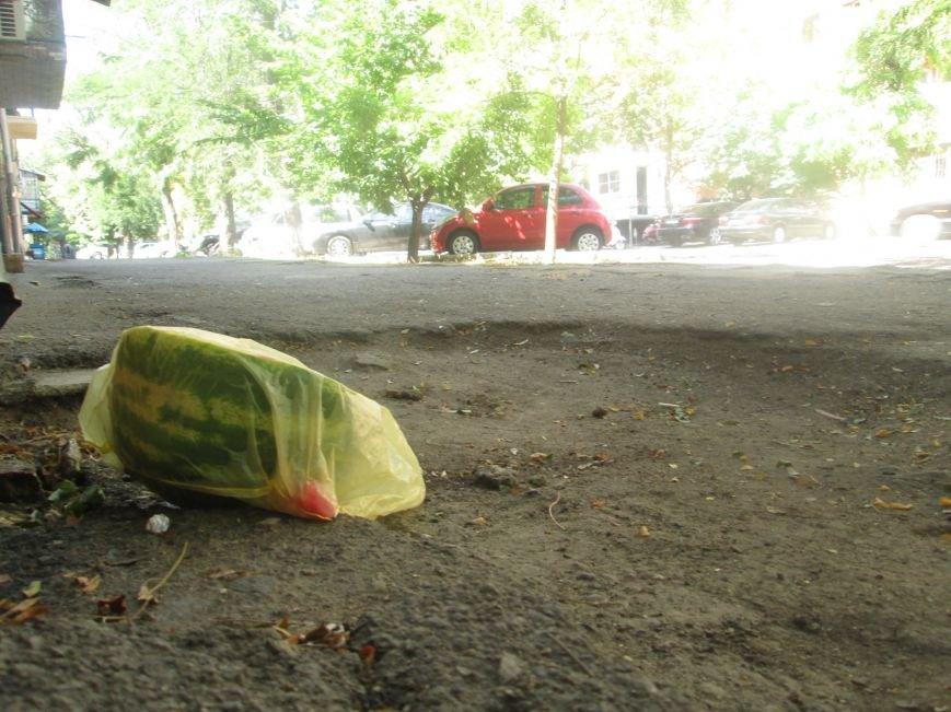 В центре Одессы городские власти не заметили разбитый квартал (ФОТО), фото-3