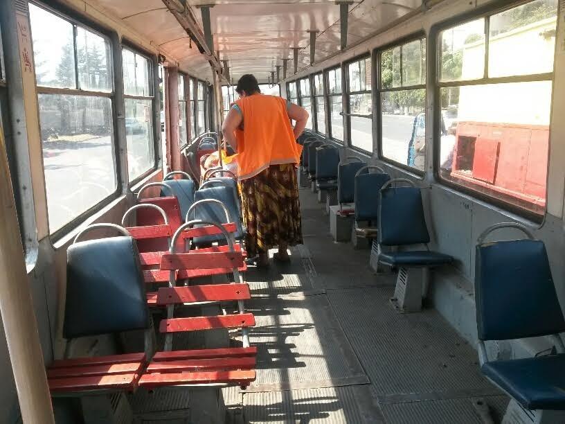 В Мариуполе сломанный башмак остановил движение трамваев (ФОТО), фото-5