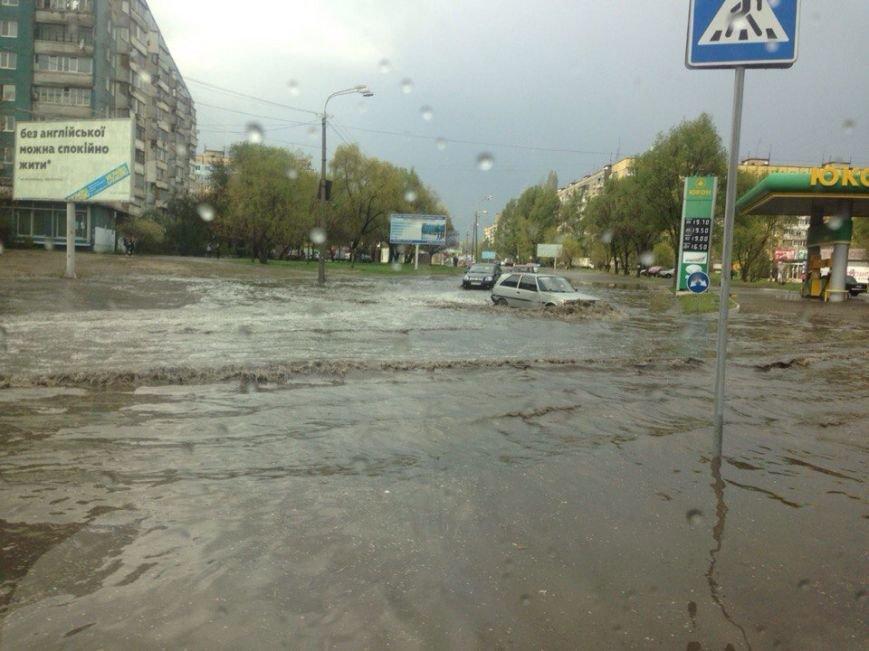 """Непогода в Днепре: Рабочую затопило, а на """"Победе"""" уже почти высохли лужи (ФОТО), фото-1"""