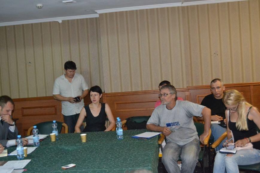 Группа шумных демагогов пыталась сорвать обсуждение предложений к новой редакции Устава громады Кривого Рога (ФОТО), фото-4