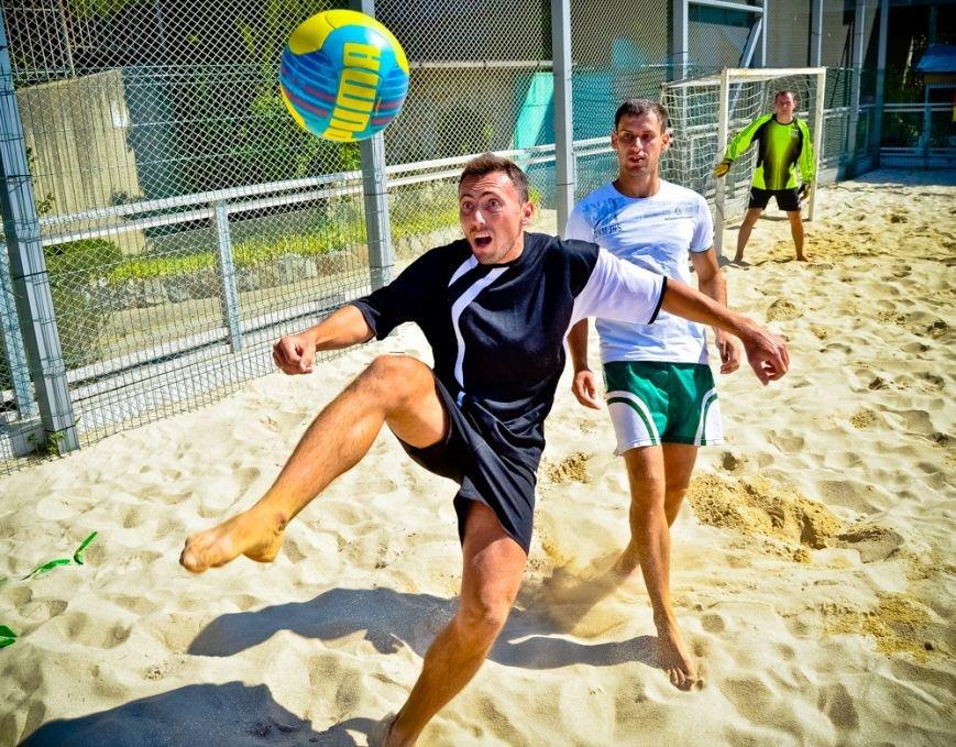 Ялтинцев приглашают на городской турнир по пляжному футболу, фото-1