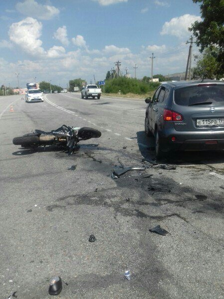 На крымской трассе иномарка врезалась в колону байкеров, - очевидцы (ФОТО), фото-3