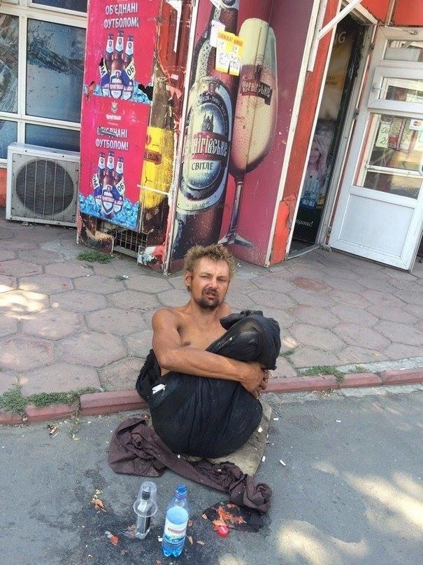 В Одессе безногий бездомный поставил в тупик соцработников, полицию и врачей (ФОТО), фото-3