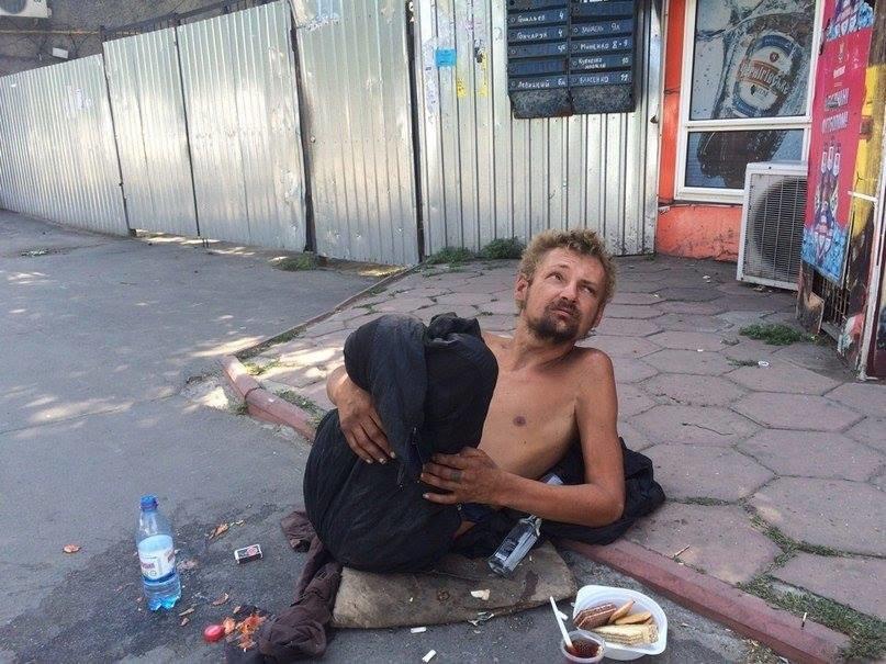 В Одессе безногий бездомный поставил в тупик соцработников, полицию и врачей (ФОТО), фото-6