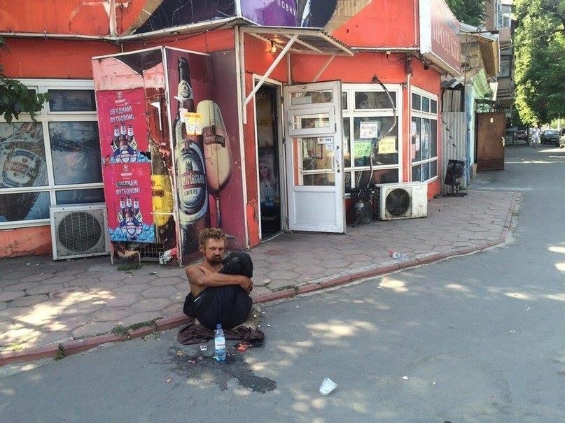 В Одессе безногий бездомный поставил в тупик соцработников, полицию и врачей (ФОТО), фото-4
