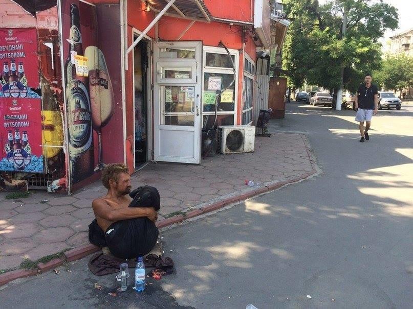 В Одессе безногий бездомный поставил в тупик соцработников, полицию и врачей (ФОТО), фото-5