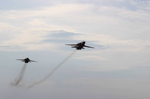Украинские МиГ-29  приземлились на трассу Киев-Чоп (ФОТО, ВИДЕО), фото-1