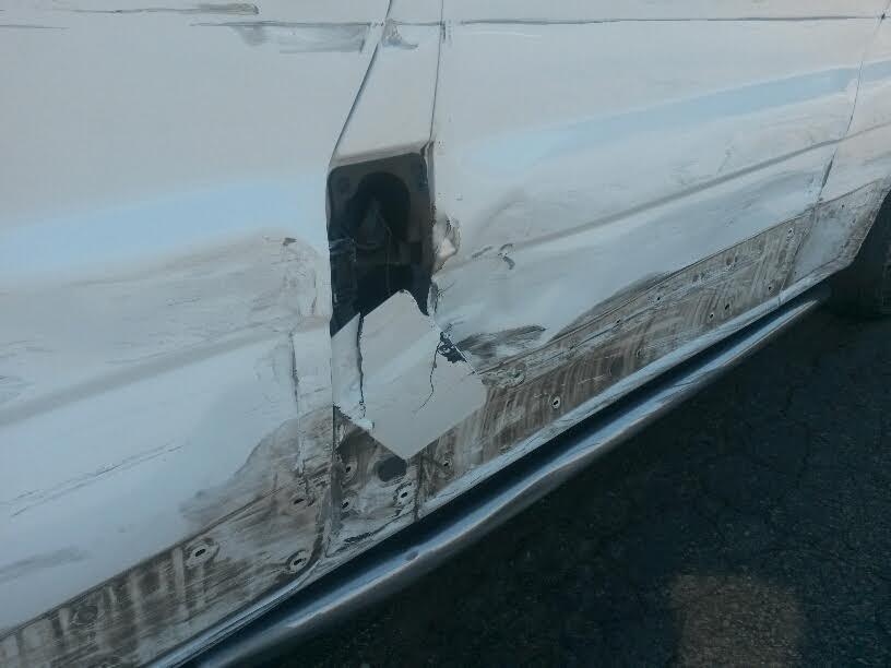 Под Мариуполем пьяный автомобилист выехал на встречку и врезался в микроавтобус (ФОТО), фото-2