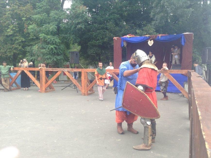 Узнай первым: что делают рыцари в Одессе и почему по улице ходят люди с мечами (ФОТО,ВИДЕО), фото-1