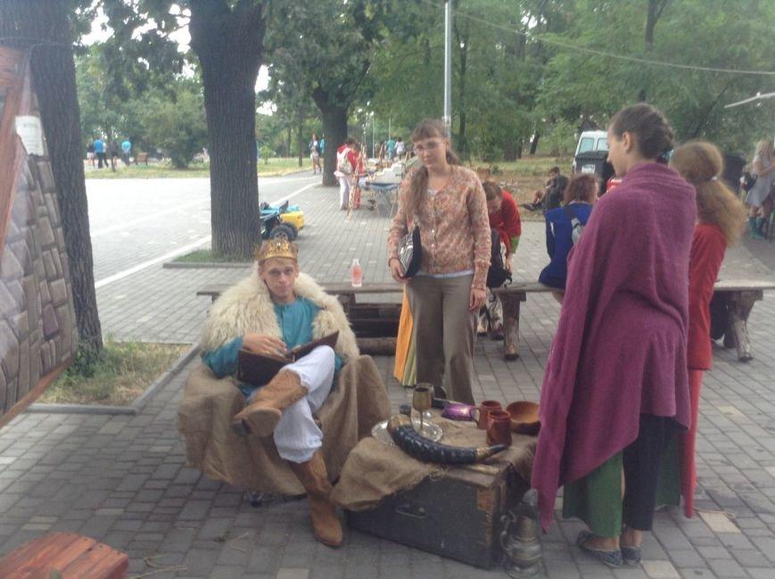 Узнай первым: что делают рыцари в Одессе и почему по улице ходят люди с мечами (ФОТО,ВИДЕО), фото-8