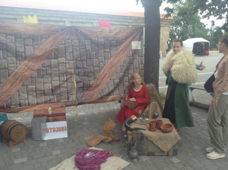 Узнай первым: что делают рыцари в Одессе и почему по улице ходят люди с мечами (ФОТО,ВИДЕО), фото-9