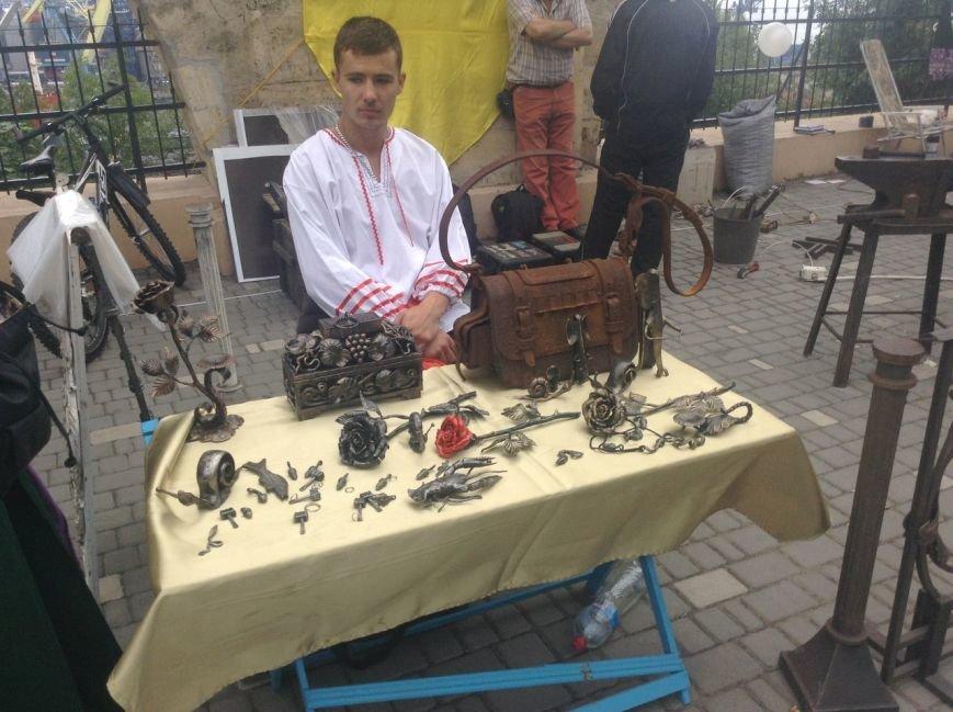 Узнай первым: что делают рыцари в Одессе и почему по улице ходят люди с мечами (ФОТО,ВИДЕО), фото-2