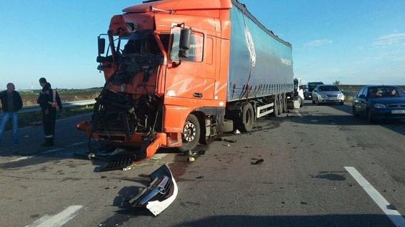 Ужасное ДТП на Николаевщине: Микроавтобус столкнулся с грузовиком - 8 погибших - Цензор.НЕТ 8296