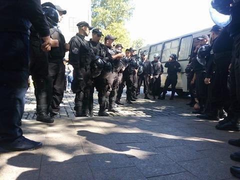 Полиция одесских гомофобов в полном составе вывезла в райотдел (ФОТО), фото-2
