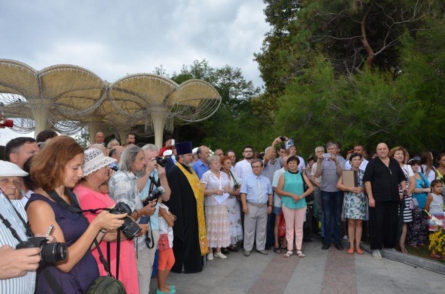 В Ялте открыли памятник Михаилу Пуговкину(5)