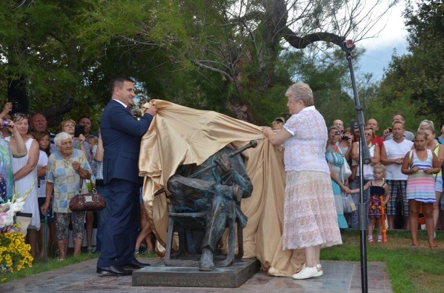 В Ялте открыли памятник Михаилу Пуговкину(3)