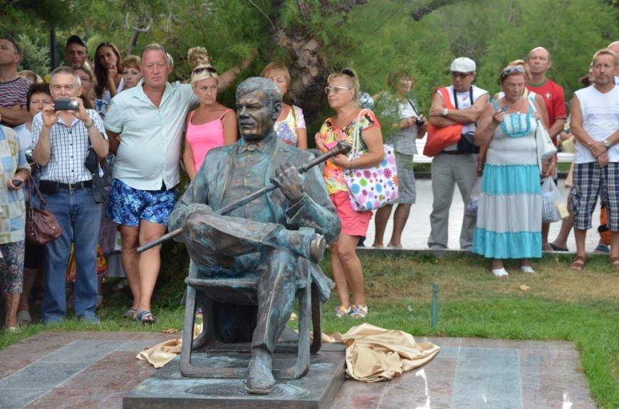 В Ялте открыли памятник Михаилу Пуговкину(7)