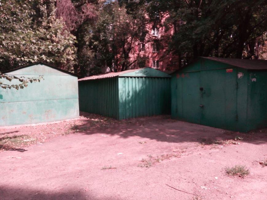 Одесский ЖЭК призывает владельцев зеленых гаражей покрасить гаражи в зеленый цвет (ФОТО), фото-4