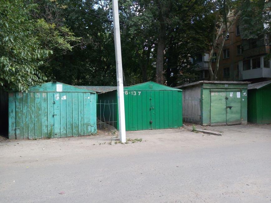 Одесский ЖЭК призывает владельцев зеленых гаражей покрасить гаражи в зеленый цвет (ФОТО), фото-6