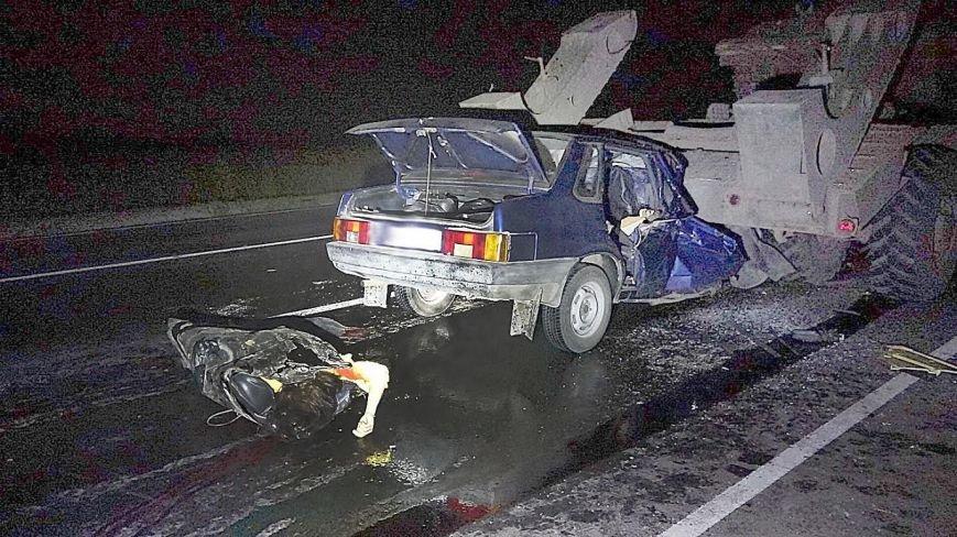 Под Мариуполем автомобиль врезался в тягач с военной техникой. Погибла женщина и ребенок (ФОТО, 18+, ДОПОЛНЕНО, ВИДЕО), фото-12
