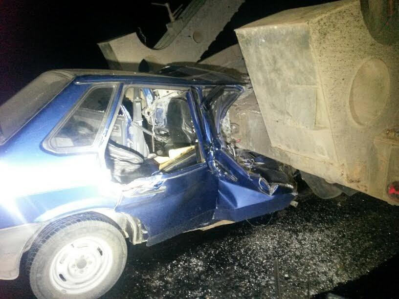 Под Мариуполем автомобиль врезался в тягач с военной техникой. Погибла женщина и ребенок (ФОТО, 18+, ДОПОЛНЕНО, ВИДЕО), фото-2