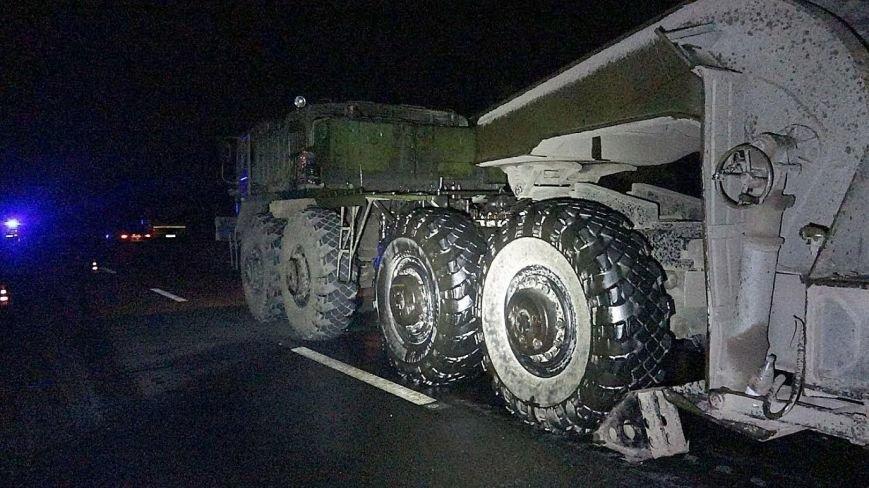 Под Мариуполем автомобиль врезался в тягач с военной техникой. Погибла женщина и ребенок (ФОТО, 18+, ДОПОЛНЕНО, ВИДЕО), фото-8