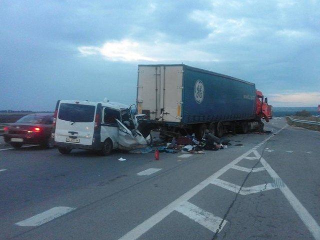 А в аварії на Одеській трасі загинуло 8 осіб, фото-2