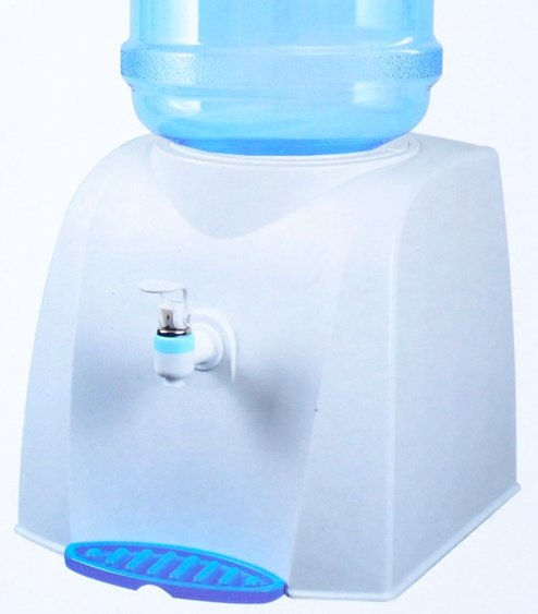 Диспенсер для воды заменит помпу и не займет много места