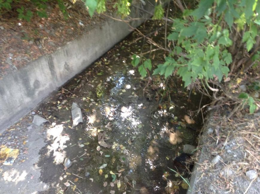 Мариупольцы сегодня увидели две стороны прочистки  одной ливневки (ФОТО), фото-7