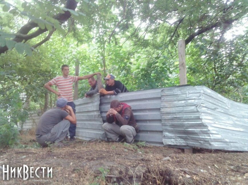 Скандальная застройка на ПГС: местные жители протестуют против строительства (ФОТО), фото-3