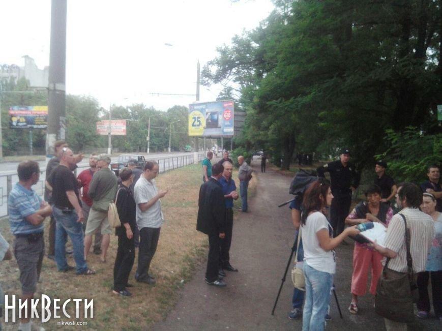 Скандальная застройка на ПГС: местные жители протестуют против строительства (ФОТО), фото-2