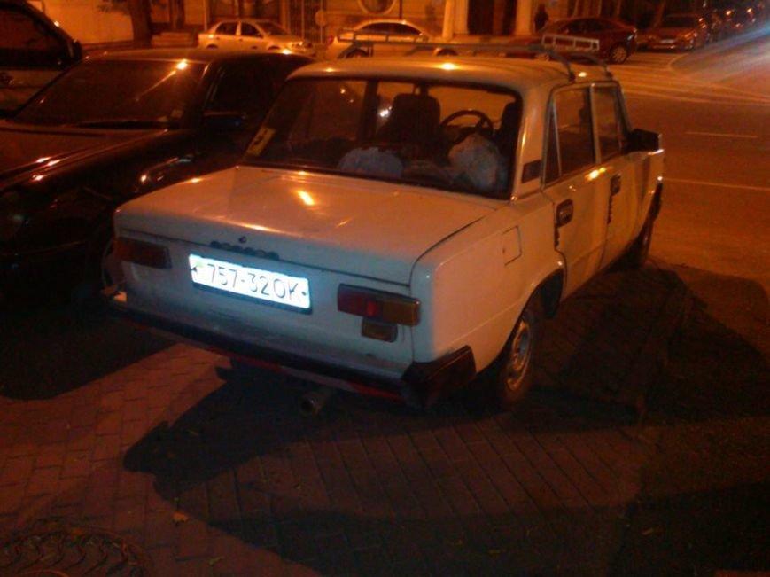 В Одессе автохам-инвалид припарковался на пандусе (ФОТОФАКТ), фото-1