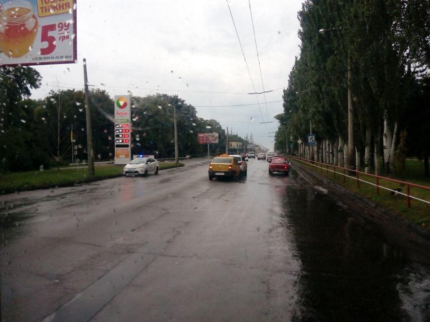 """ДТП в Кропивницком: """"такси"""" врезалось в автомобиль (ФОТО), фото-1"""