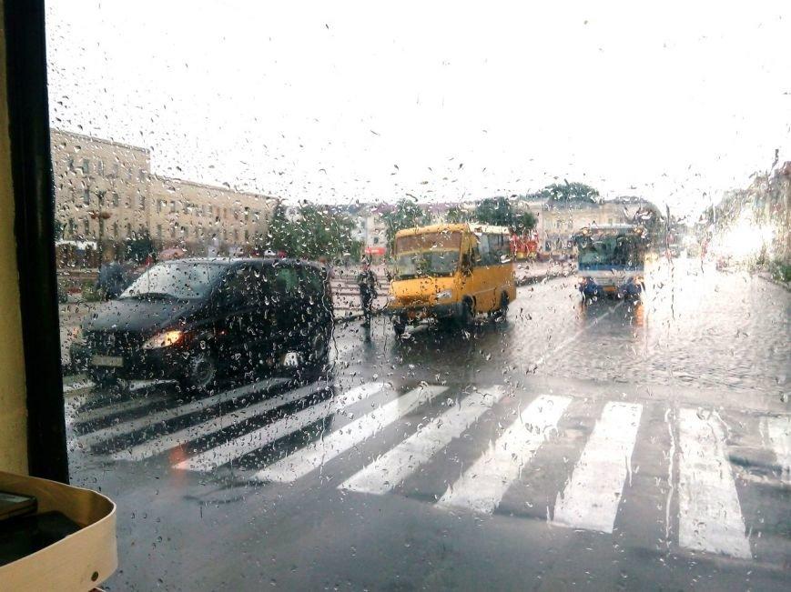 ДТП в Кропивницком: маршрутка врезалась в микроавтобус (ФОТО), фото-1
