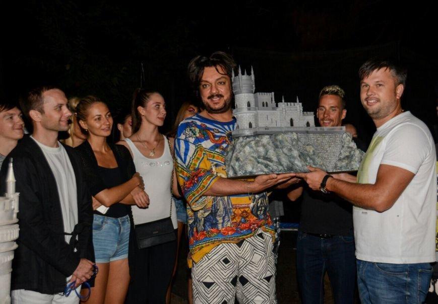 Киркорову в Крыму подарили «Ласточкино гнездо», фото-1