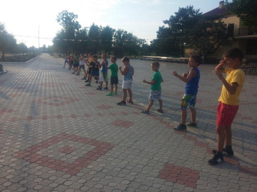 Каратисты из бердянского клуба «Дзаншин» совмещают тренировки с отдыхом, фото-2