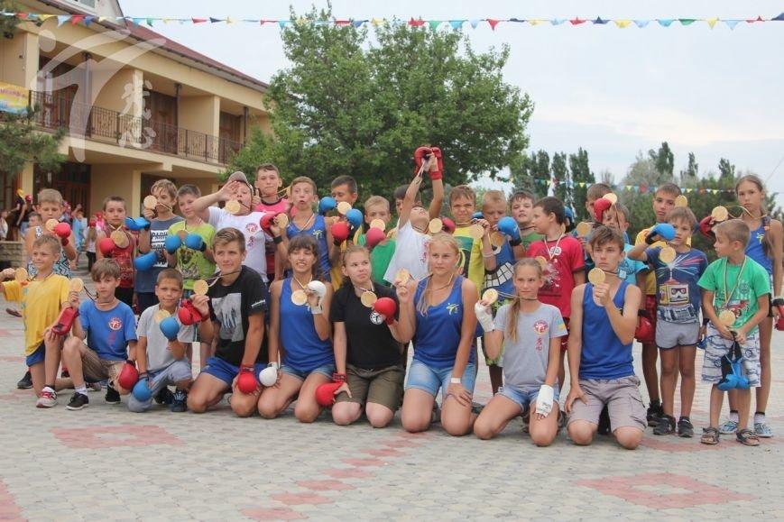 Каратисты из бердянского клуба «Дзаншин» совмещают тренировки с отдыхом, фото-6