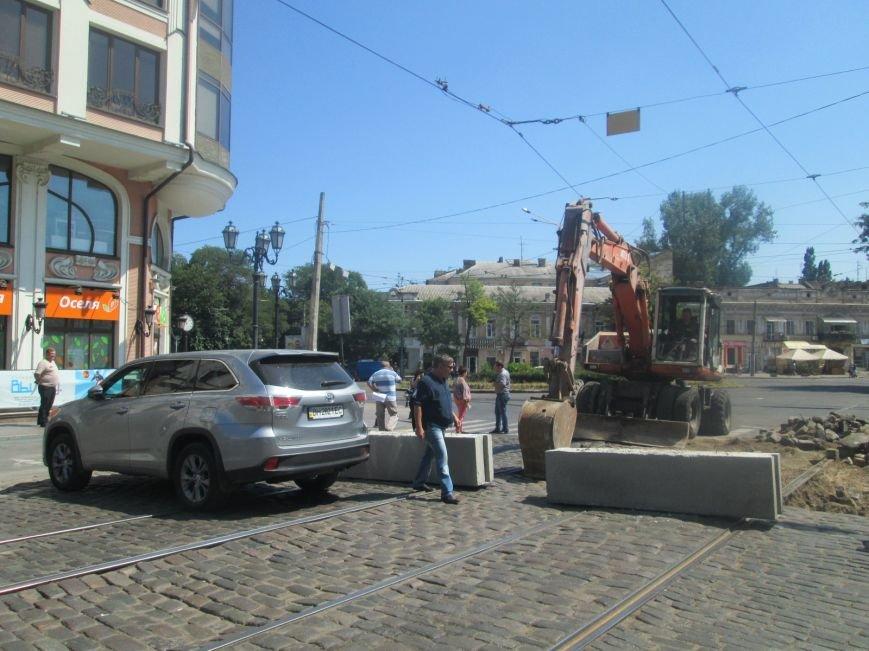 Неожиданно: Обещанная реконструкция Тираспольской площади обернулась полным коллапсом (ФОТО), фото-8