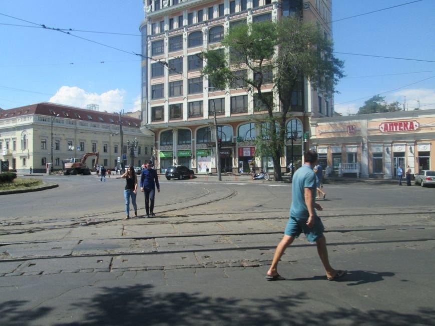 Неожиданно: Обещанная реконструкция Тираспольской площади обернулась полным коллапсом (ФОТО), фото-4