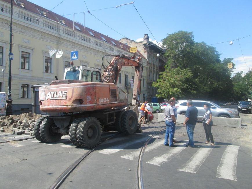 Неожиданно: Обещанная реконструкция Тираспольской площади обернулась полным коллапсом (ФОТО), фото-5