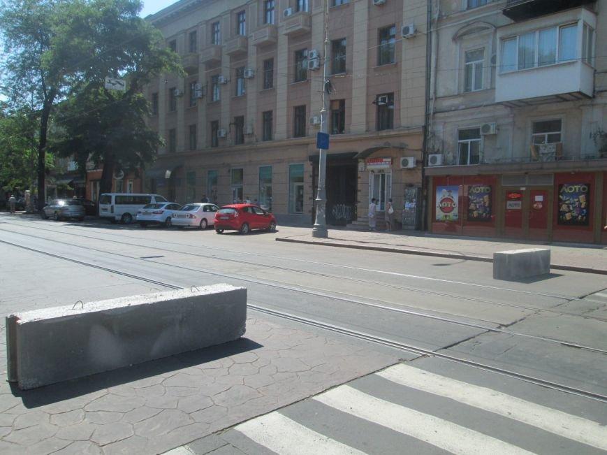 Неожиданно: Обещанная реконструкция Тираспольской площади обернулась полным коллапсом (ФОТО), фото-11