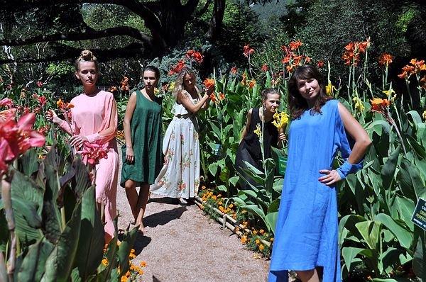 В Никитском ботаническом саду открылась выставка канн, фото-1
