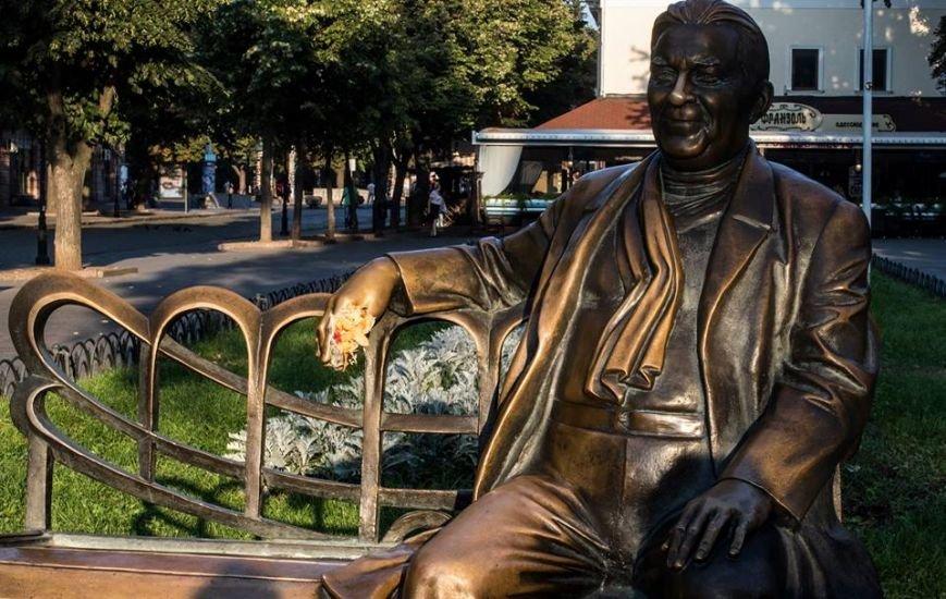 Поддержать шаурму «вызвались» одесские памятники (ФОТО), фото-5